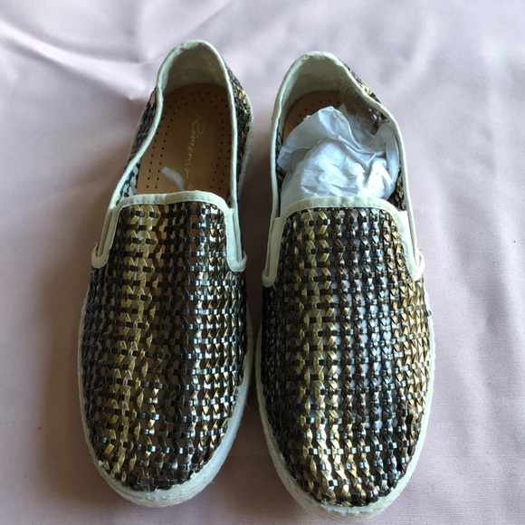 competitive price 9f9d5 41b89 Rivieras Metallic Leather Mesh Shoes